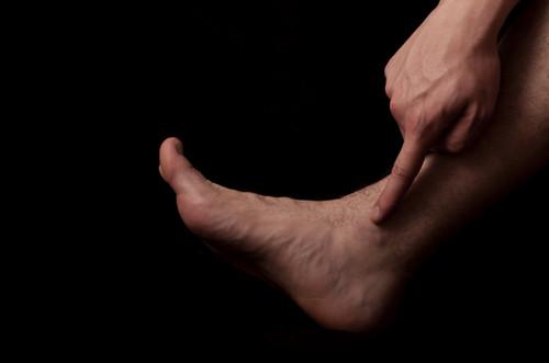 Боль при остеохондральных дефектах таранной кости